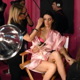 Kendall Jenner 2015 Victorias Secret Fashion Show 10