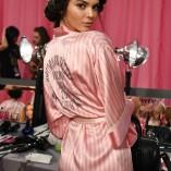 Kendall Jenner 2015 Victorias Secret Fashion Show 14