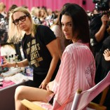 Kendall Jenner 2015 Victorias Secret Fashion Show 4