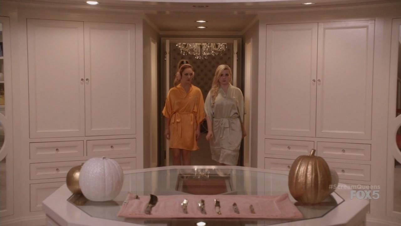 scream queens haunted house 1 satiny. Black Bedroom Furniture Sets. Home Design Ideas