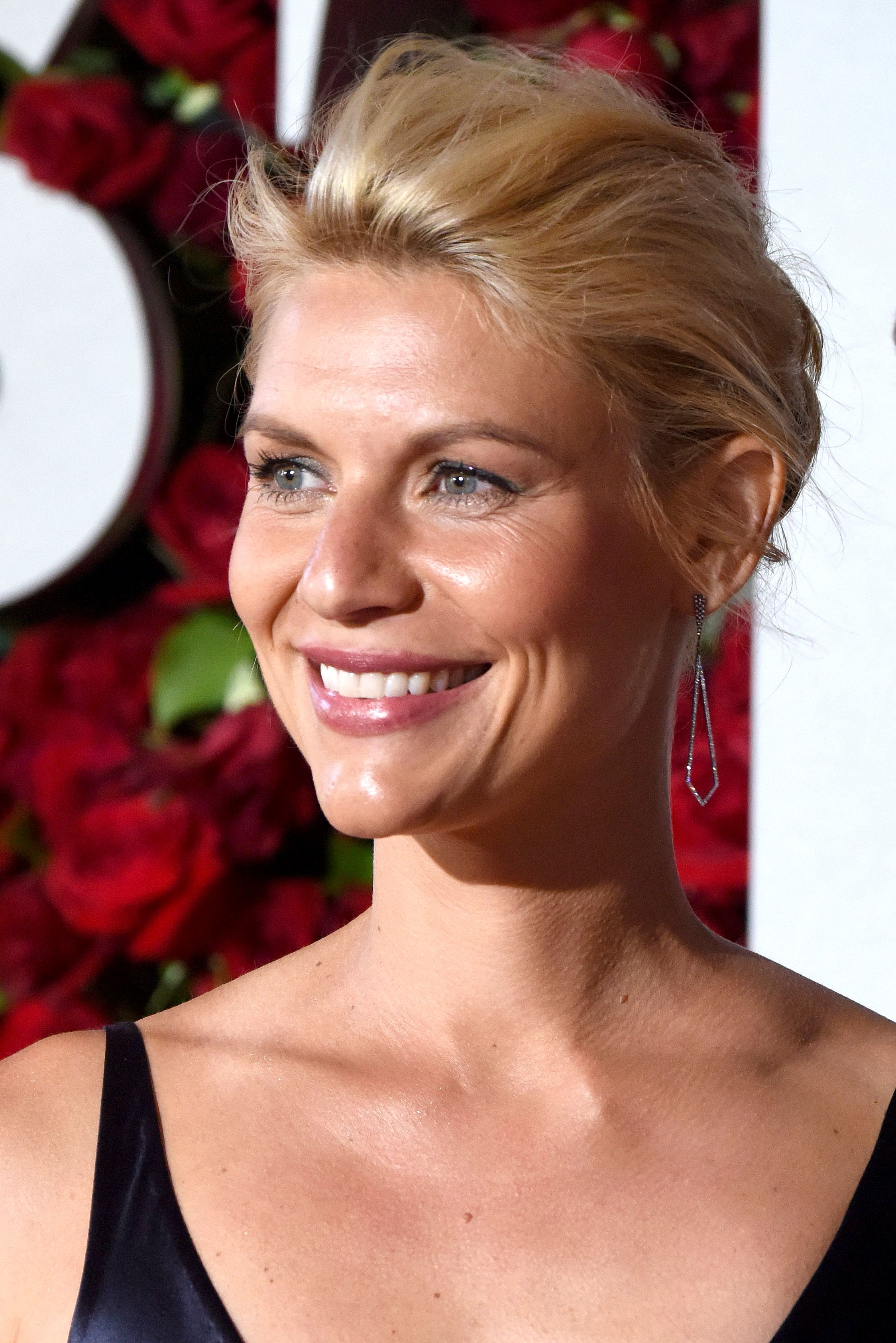 Claire Danes 2016 Tony Awards 2 Satiny