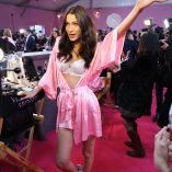 Bella Hadid 2016 Victorias Secret Fashion Show 15