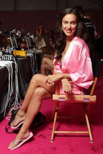 Irina Shayk 2016 Victoria's Secret Fashion Show 3