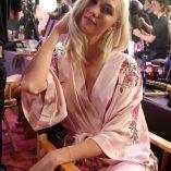 Karlie Kloss 2017 Victoria's Secret Fashion Show 11