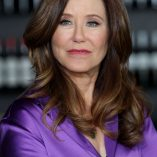Mary McDonnell Extra Interview Photoshoot 3