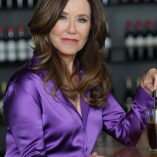 Mary McDonnell Extra Interview Photoshoot 8