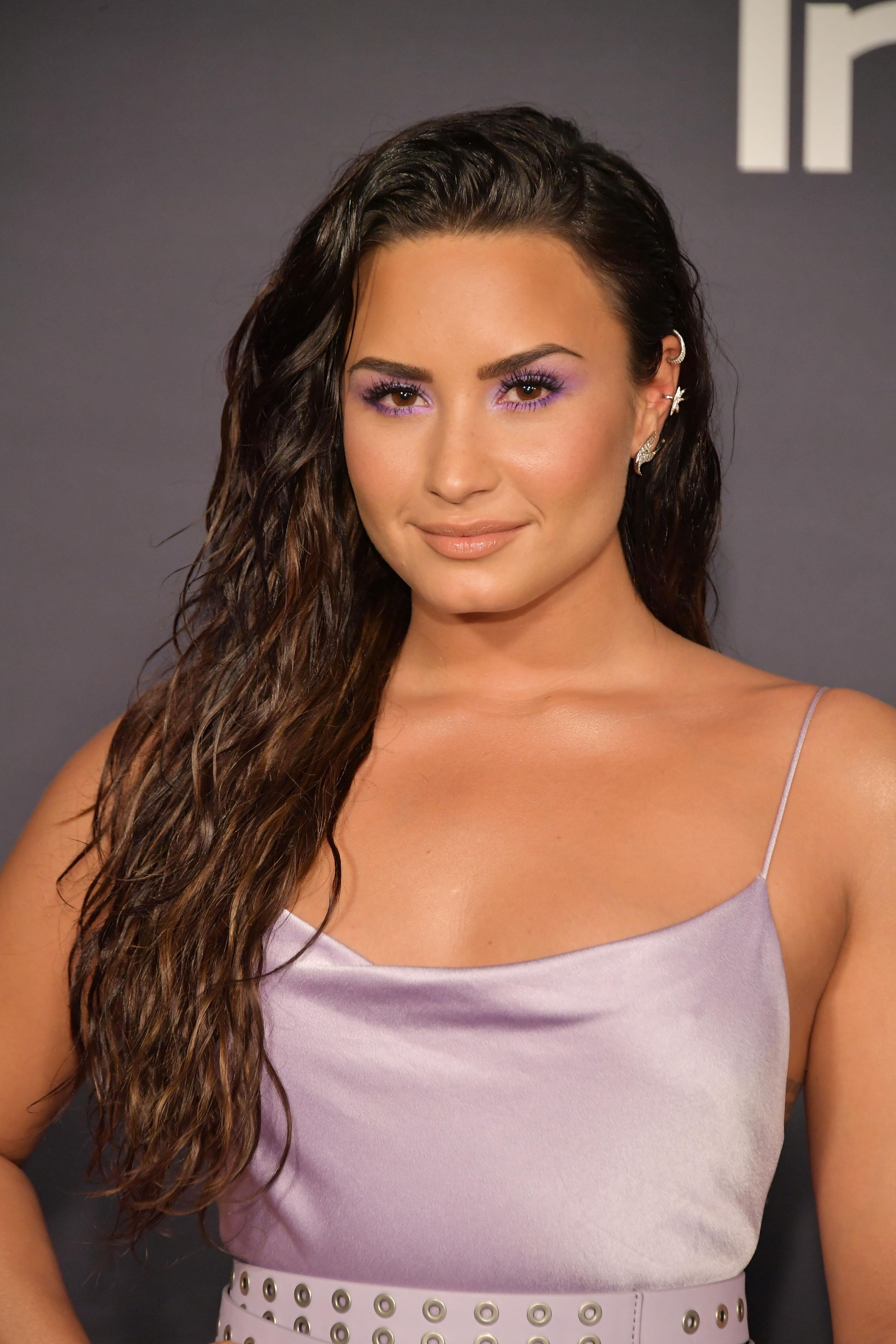 Lilac Demi Lovato 3rd Instyle Awards 1 Satiny