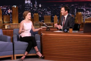 Emma Watson Jimmy Fallon Show 27th April 2017 5