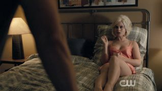 iZombie Blue Bloody 7