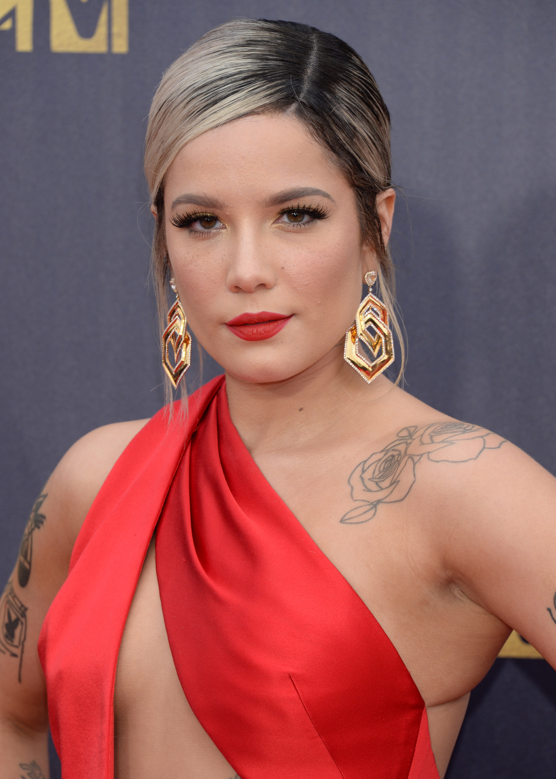 halsey 2018 mtv movie and tv awards 1 satiny