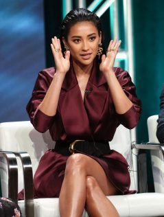 Shay Mitchell 2018 Summer TCA Press Tour 4