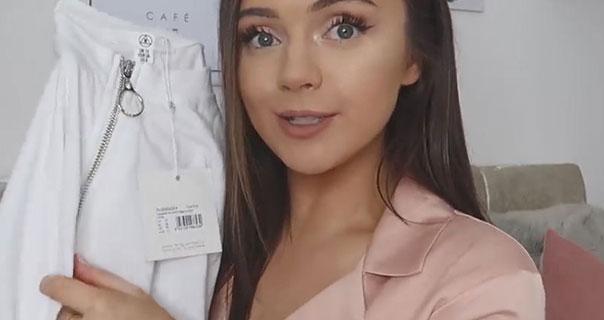 Naomi Victoria Ring Pull Detailing