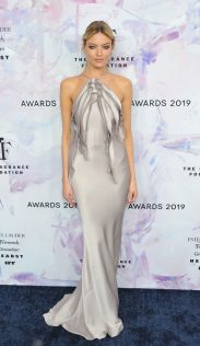 Martha Hunt 2019 Fragrance Foundation Awards 1