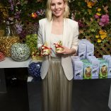 Kristen Bell Lindt Chocolate Easter Luncheon 2