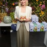 Kristen Bell Lindt Chocolate Easter Luncheon 4