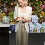 Kristen Bell Lindt Chocolate Easter Luncheon 5