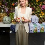 Kristen Bell Lindt Chocolate Easter Luncheon 6