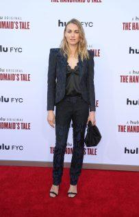 Yvonne Strahovski The Handmaid's Tale Season 3 Finale 2