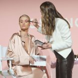 Rosie Huntington-Whiteley Rose Inc bareMinerals Beauty Master Class 41