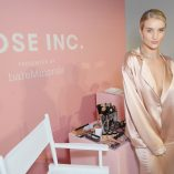Rosie Huntington-Whiteley Rose Inc bareMinerals Beauty Master Class 8