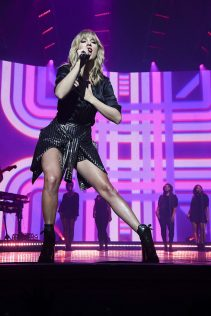 Taylor Swift City Of Lover Concert 1