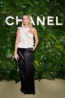 Margot Robbie Gabrielle Chanel Essence Dinner 9