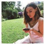 Niomi Smart Instagram 18