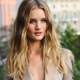 Rosie Huntington-Whiteley Burberry Perfume Launch 13