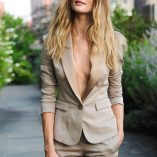 Rosie Huntington-Whiteley Burberry Perfume Launch 9