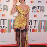 Dua Lipa 2021 Brit Awards 9
